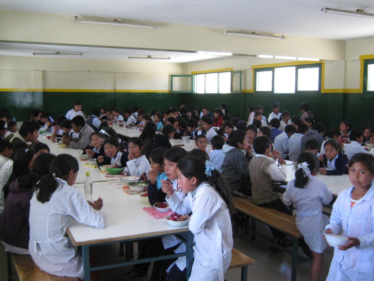 Comedor de anzaldo bolivia itaka for Comedor de escuela
