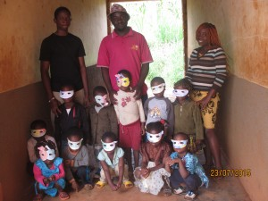 Family picture with children of nursery 1 of Bamenda