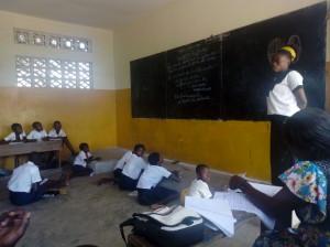 Les élevés de 3ème Primaire de l'Ecole Primaire KIKONKA