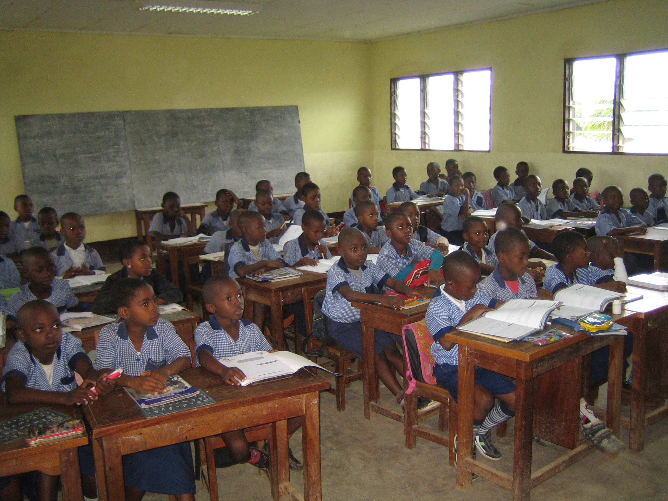 escuela de Bamenda Camerún