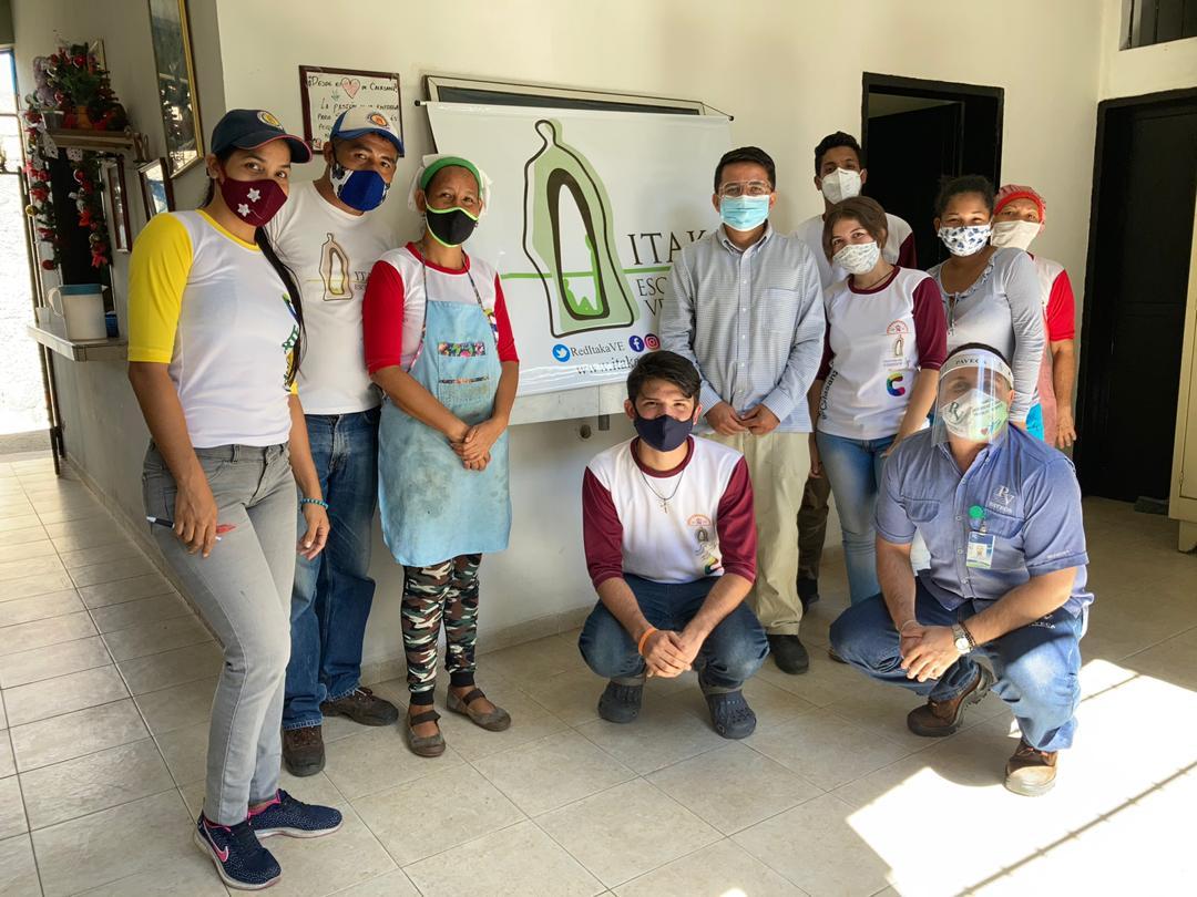 Equipo de voluntariado en la Red de comedores (Valencia, VE)